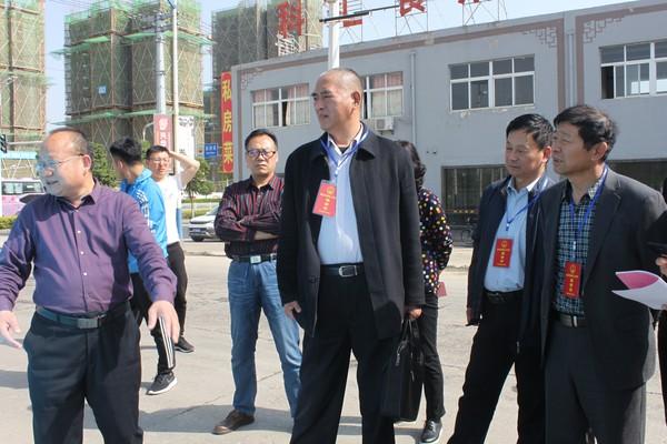 杜集区人大组织视察污水管网建设情况
