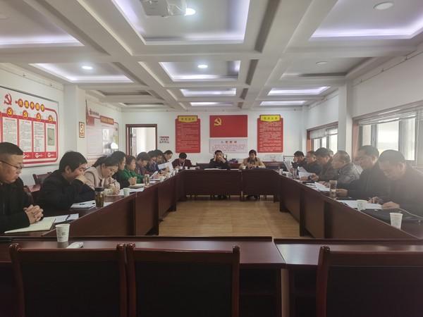 杜集区人大常委会召开土地确权调研座谈会
