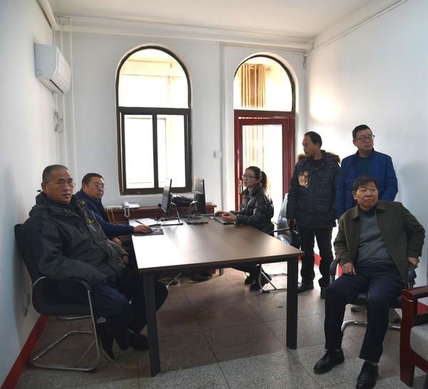 杜集区人大常委会领导调研预算联网监督系统运行情况